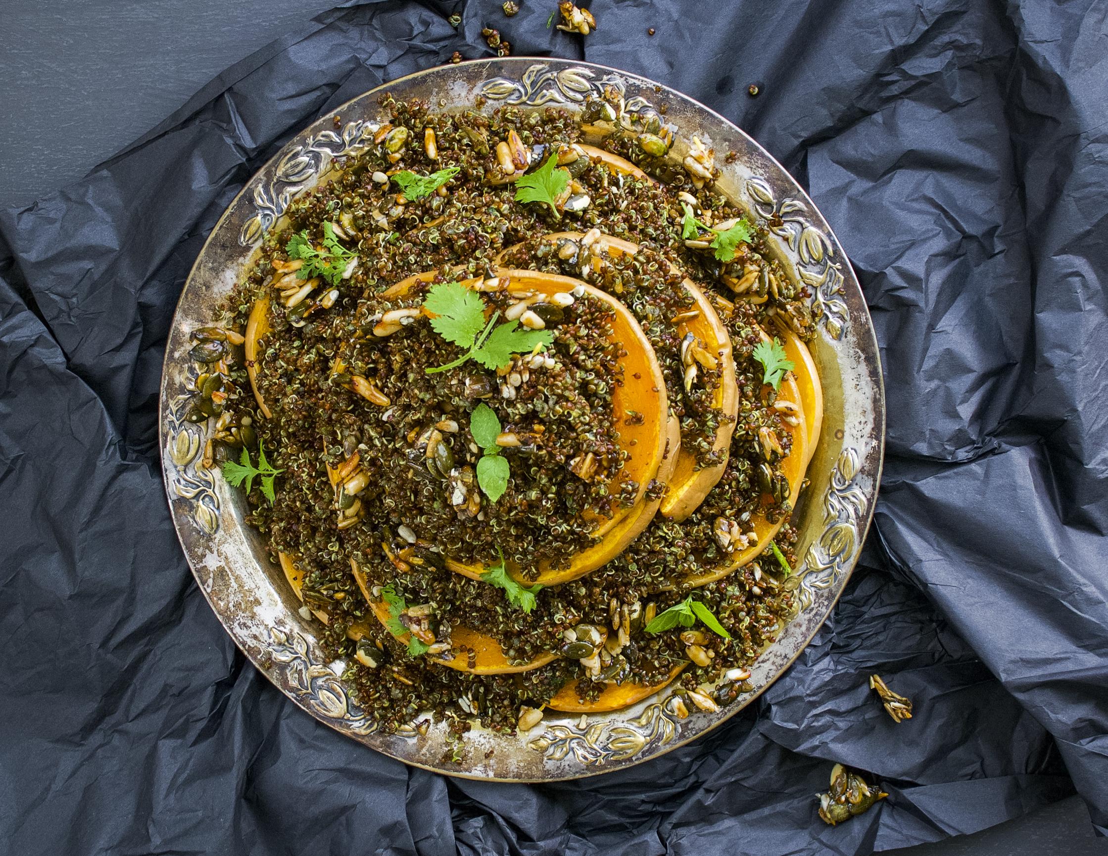 myskikurpitsa-kvinoasalaatti